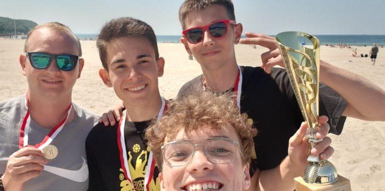 Złoto w siatkówce plażowej